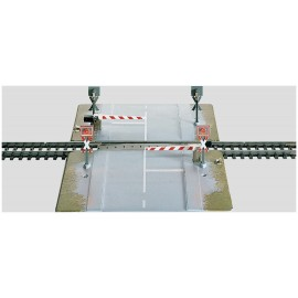 Märklin - H0 - K-Gleis Bahnübergang vollautomatisch mit Halbschranke